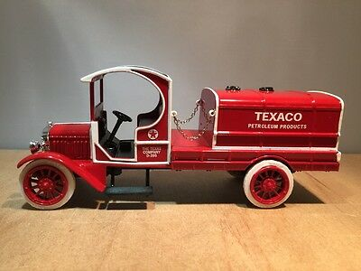1919 GMC TANKER TRUCK - TEXACO #17 IN SERIES - DIECAST BANK by ERTL #19542V