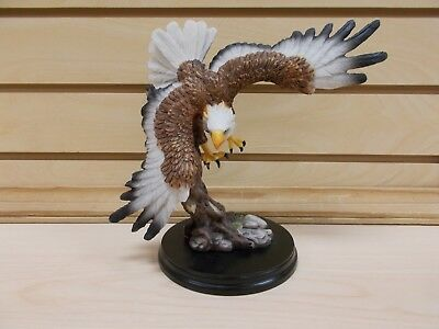 G54542 Eagle Swooping Diving Figurine Statue Gsc