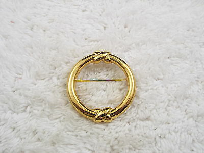 Goldtone Circle Pin  (A58)