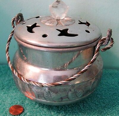 VTG Hammered Aluminum Cook Pot, Folding Handle, Lid with Cutouts, India