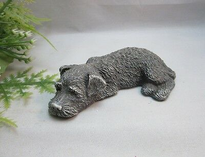 Vtg sleeping scottish terrier dog figurine.Sandicast BRUE. Signed.