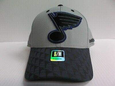 St Louis Blues Reebok NHL Two Tone Structured Flex Stretch Fit Fitted Hat 2c6d612ba495