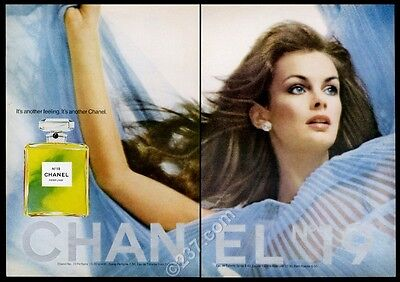 1974 Chanel No.19 perfume bottle and woman color photo vintage print ad