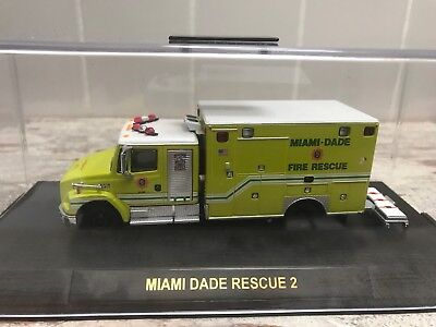 SoMo Code 3 Frightliner Ambulance Miami Dade Fire Department Feuerwehr USA
