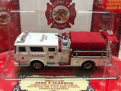 Code 3 Mack Pumper x-mas Edition Fire Department Feuerwehr USA