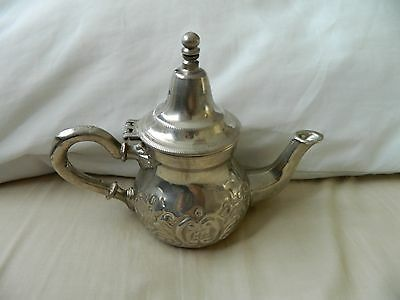 Vintage silver plated tea/ coffee pot by Sartic