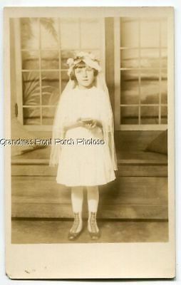 RPPC SWEET FIRST COMMUNION GIRL by ELECTRIC STUDIO ANTIQUE PHOTO POSTCARD c1920