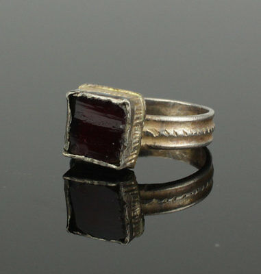 Lovely Ancient Saxon Silver Ring With Red Glass Stone - Circa 6Th Century Ad