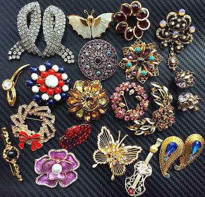 Excellent Vintage LOT of 20 Pieces Rhinestone Designer Quality Some Signed EVC!
