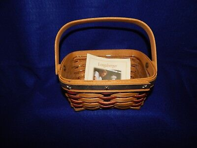 Longaberger 2004 Proudly American Berry Basket and Protector With Card (B3)