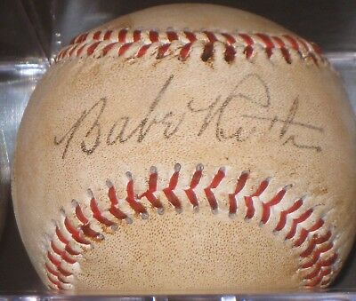 BABE RUTH Signed Baseball New York Yankees READ LISTING