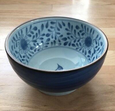 """Vintage 6 1/2"""" Japanese Blue/White Floral Bowl w Flowers/Foot & Signed"""