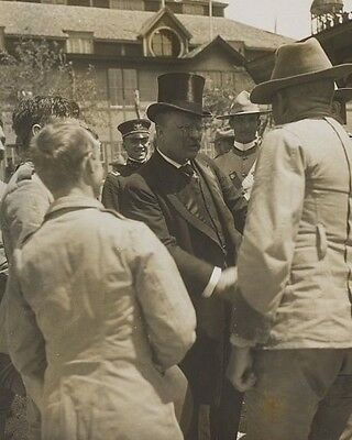 President Theodore Roosevelt greets Rough Riders at reunion in Texas Photo Print