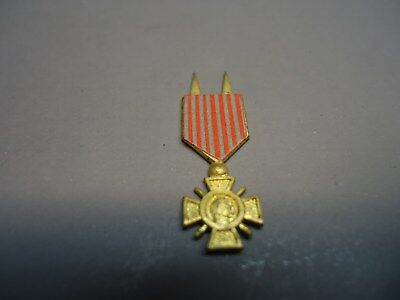 Gi Joe  // Vintage // Soldier Of The World French Medal // Very Nice