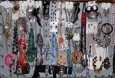 Lot of 100p Jewelry Vintage Retro New Necklaces Bracelets Earrings Rings Mix Hp3