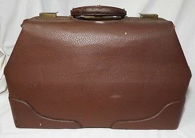 Antique LARGE B.T.M. Co. Brown COWHIDE LEATHER DOCTOR'S BAG Locking Bag w/ Key