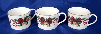 Holiday Tidings 3 Cups Gold Trim Tartan Plaid Bow Red Green Christmas Porcelain