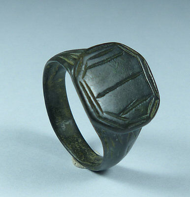Superb High Quality Ancient Roman Bronze Ring 2Nd Century Ad  (A1)