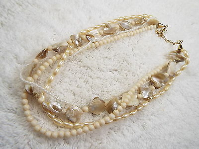 AVON Mother of Pearl Shell & White Bead Necklace (B28)