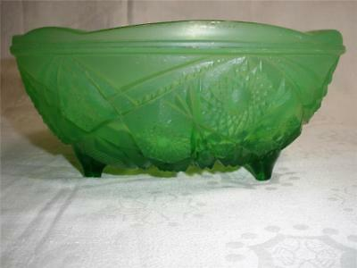 Retro Vintage Depression Green Glass  Patterned Footed Bowl