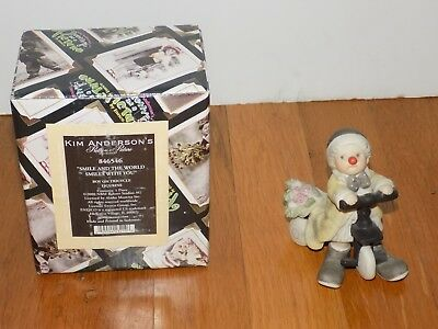 """Kim Anderson Pretty as a Picture """"Smile and The World Smiles with You"""" figurine"""