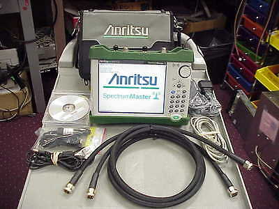 Anritsu MS2712E Spectrum Analyzer, 100 kHz to 4 GHz WITH OPTION 20- Tracking Gen