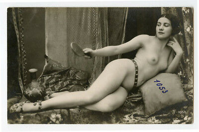 1920s French Nude PRETTY LADY Built Beauty Risque Deco photo postcard