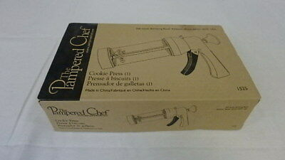 Retired Pampered Chef Cookie Press #1525 W/16 Different Shaped Disc's Brand Nib
