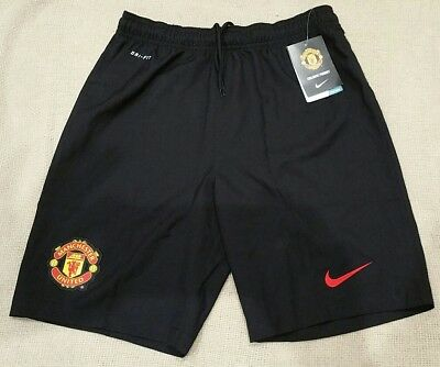 New Genuine LB Manchester United shorts large boys 147-158cm MUFC 12-13 years