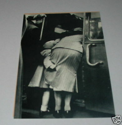 N2 - Victoria Station london Oct 1951 Ladies b Postcard