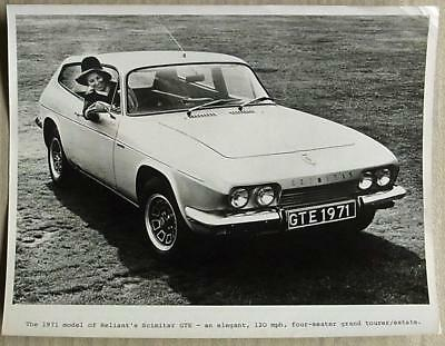 "RELIANT SCIMITAR GTE Car Black & White PRESS Photograph 1971 10""x 8"""