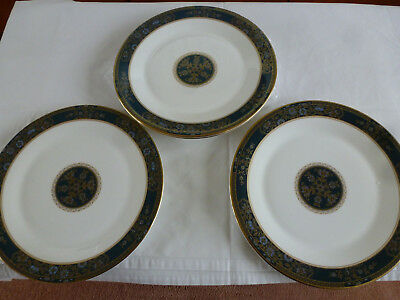 Royal Doulton Carlyle Design Three 10 1/2 In Dinner Plates Ist Quality H5018