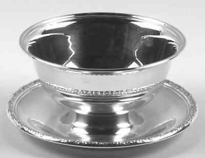 International PRELUDE PLAIN STERLING Gravy Bowl With Attached Underplate 1950481