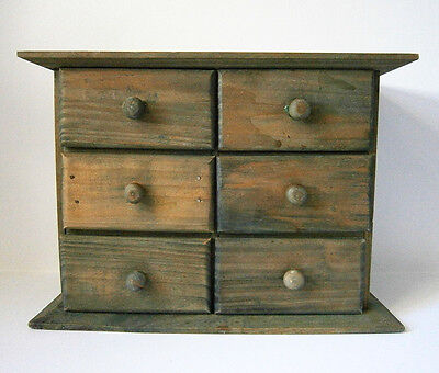 VINTAGE GREEN STAINED WOOD MINIATURE CHEST OF DRAWERS Jewellery, Sewing, Hobbies