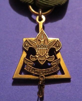 Boy Scouts of America Scoutmaster's Key 10KT GOLD MEDAL with Original Ribbon.