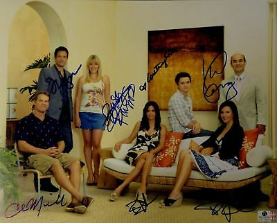 Cougartown Cox Miller Philipps Gomez +3 Cast Signed 11x14 Photo GV719822