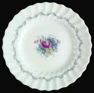 Royal Doulton CHELSEA ROSE Bread & Butter Plate S6782144G2