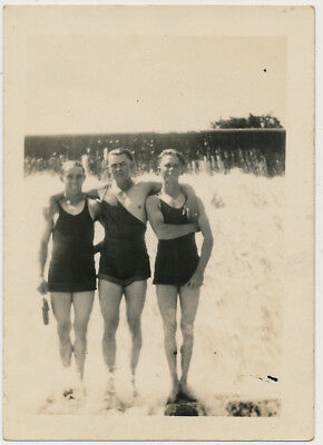 BATHING SUIT BUDDY BOY TRIO ARM-in-ARM vtg AFFECTIONATE MEN photo GAY INT