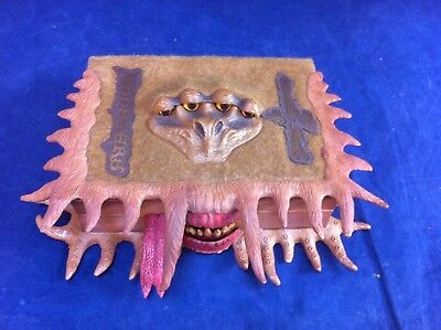 Monster Book, Harry Potter opening box with sound effects ##gaBIR11JM