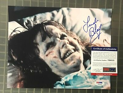 Linda Blair Signed 8x10 THE EXORCIST Photo Autograph PSA/DNA COA