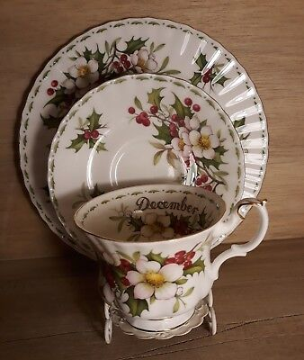 ROYAL ALBERT Flower of the Month Series DECEMBER TRIO Cup, saucer & plate