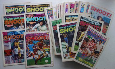 Shoot Football Magazine 1974 x 50 FULL YEAR+ONE FREE GIFT FN/FN+ (phil-comics)