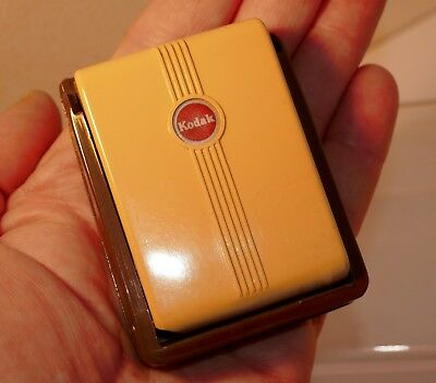 REALLY CUTE LITTLE VINTAGE KODAK  35mm POCKET SLIDE VIEWER