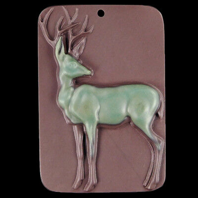 Carved Buck Bead C EB500174