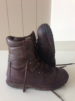 Size 7 Brown altberg defender military boots! Very Good Condition! Fab Boots!