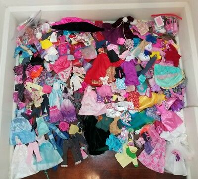 HUGE LARGE 200+ Lot Of Barbie Fashion Doll Clothes Clothing over 100 Accessories