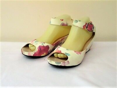 Adorable Retro Style Wedge Heel Peep Toe Shoes Fits Size 40 Or 8.5 - 9