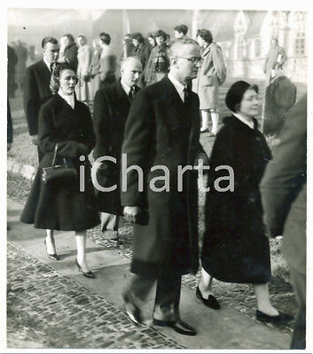 1959 FARNHAM (UK) Funeral of Mike HAWTHORN - His mother and Jean HOWARTH *Photo