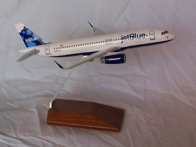 Jetblue  Airbus A320 Blueberries 1:150 Desk Model Skymarks - Executive