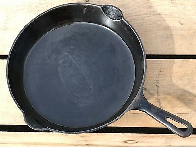 Vintage Griswold No. 9 Small Logo Cast Iron Skillet Flat Bottom